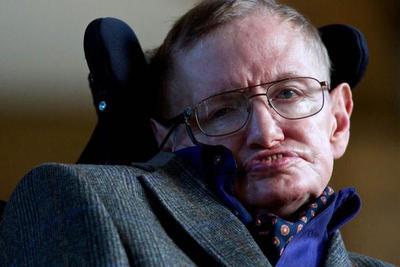 Stephen Hawking predijo que superhumanos nos desplazarán