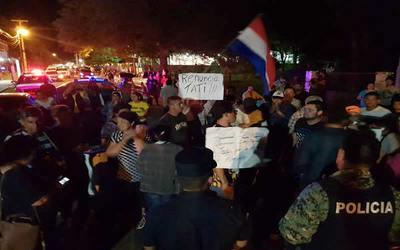 Grupo de ciudadanos exige renuncia del Intendente de Concepción