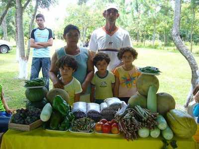 Feria de productos de agricultura familiar para conmemorar el Día Mundial de la Alimentación.