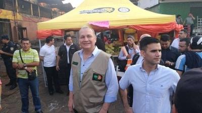 """HOY / Mario Ferreiro pide """"paciencia"""" ante inundaciones y cráteres en Asunción"""