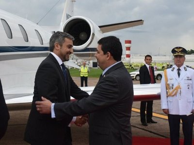 Petropar: Velázquez defiende a familia amiga del presidente