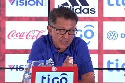 """Juan Carlos Osorio: """"no voy a debatir sobre supuestos, estoy a gusto en Paraguay"""""""