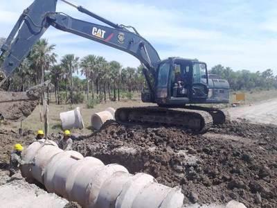 Continúa rehabilitación de caminos en la zona de Toro Pampa, Chaco