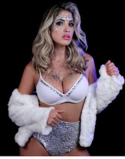 Anahí Sánchez  posó re-sexy