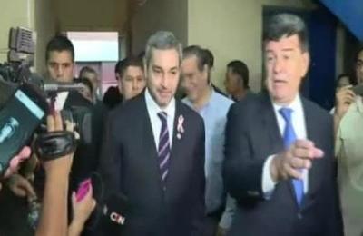 Presidente Abdo Benítez visita sede del PLRA