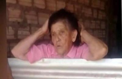 Clamor de abuela conmocionó las redes