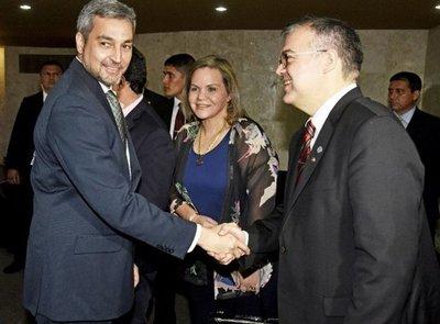 Mario Abdo Benítez vetaría la ley que censura la divulgación de encuestas