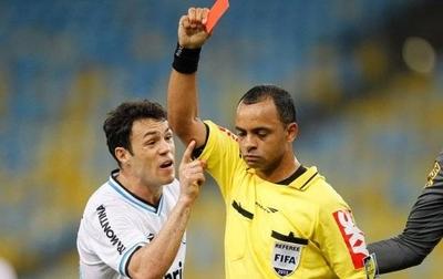HOY / El brasileño Sampaio, entre los árbitros elegidos para el Mundial de Clubes