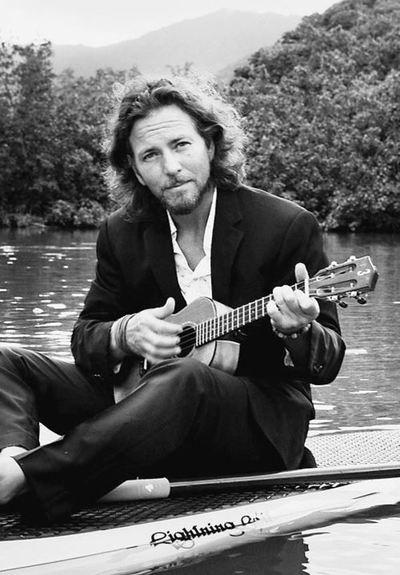Homenaje a Eddie Vedder en la Manzana de la Rivera