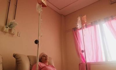 HOY / La interrupción de tratamientos oncológicos arriesga la vida de pacientes, advierte especialista