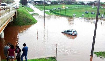 Itaipú se sigue lavando las manos por inundación en viaducto