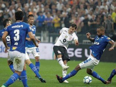 Ángel Romero completa 100 partidos en el Arena Corinthians