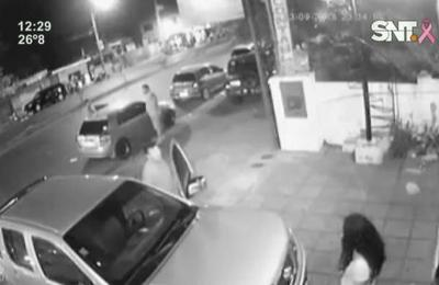 Una mujer fue agredida por reclamar a un conductor