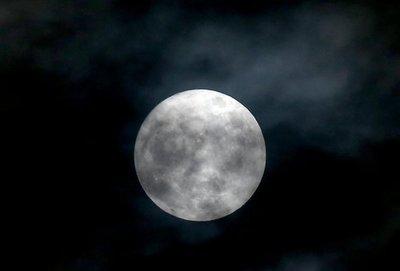 """China planea lanzar su propia """"luna artificial"""" para iluminar zonas urbanas"""
