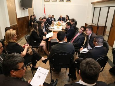 Abogados se oponen a que políticos presidan nuevamente el JEM