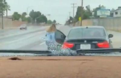 Polémica en Facebook por video de un niño de 13 años conduciendo un automóvil de lujo