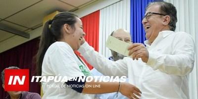 DIRECTOR DE LA EBY ENTREGÓ APORTES SOCIALES EN ITAPÚA