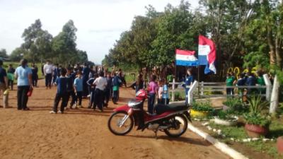 Reclaman rubros en escuela de Itapúa
