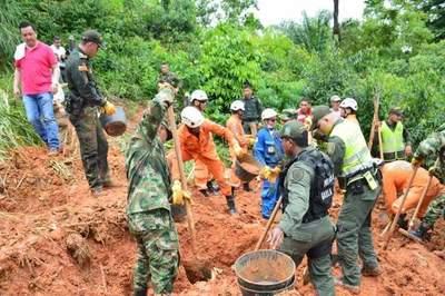 Deslizamiento de tierra en Colombia deja al menos 9 muertos