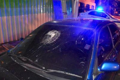 Barrabravas alcoholizados atacaron vivienda de Zacarías Irún
