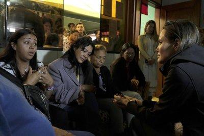 Angelina Jolie visitó albergues de acogida para venezolanos en Lima