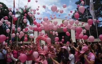 """Exitoso cierre de actividades por """"Octubre Rosa"""" en Alto Paraná"""