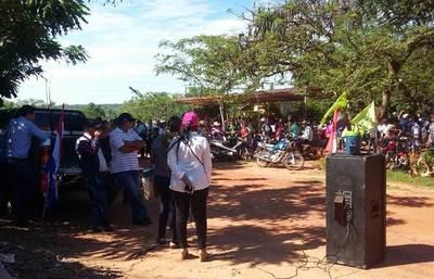 Educación en crisis en Arroyito: comunidad apela a medida de fuerza