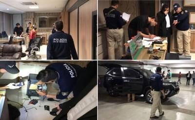 Allanan La Roca e incautan vehículo, arma y dinero