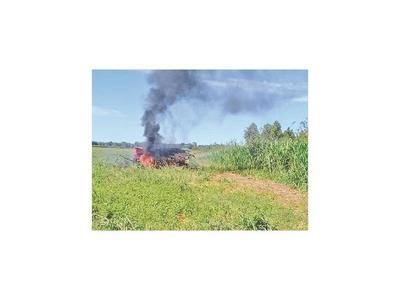Amenazan de muerte y queman una sembradora en Caaguazú