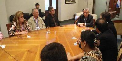 Intendentes y gobernador de Guairá se reunieron con el Ministro del Interior