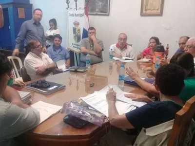 Concejales e indignados en un nuevo intento de diálogo