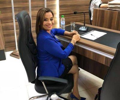 Concejal líbero-cartista pretende trabar obras en escuelas de Presidente Franco