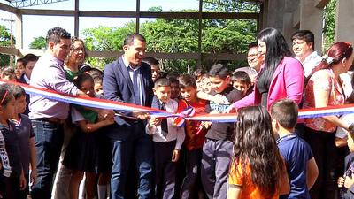 Inauguran mejoras en escuela de Franco