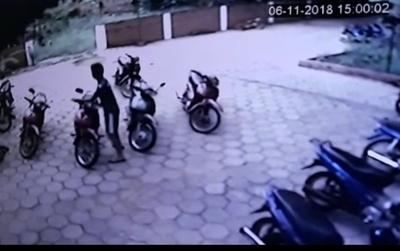 Recuperan motocicleta hurtada