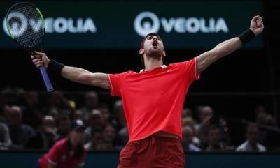 Khachanov detiene a Djokovic en París y suma su primer Masters 1.000