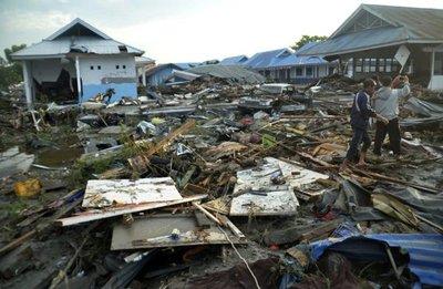 El número de muertos por el terremoto y tsunami en Indonesia se eleva a 832
