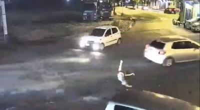 """HOY / ¿Policía oculta videos?: """"Mujer de comisario"""" es buscada y se expone a 30 años de cárcel"""