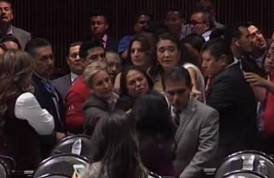 Diputada mexicana se entera en plena sesión del asesinato de su hija