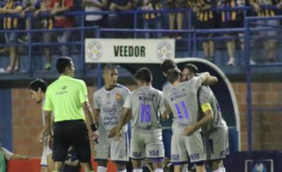HOY / Avanza y con la Copa Paraguay busca salvar el tormentoso año