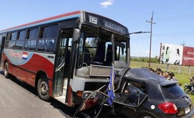 HOY / Choque frontal en Ypacaraí deja un muerto y varios heridos