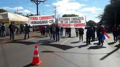 """Protestan contra camineras """"extorsionadores, corruptos, bandidos y coimeros"""""""