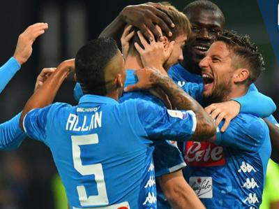 Napoli cumple en su visita al Genoa