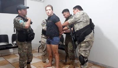Detienen a un violento hombre que mantuvo en cautiverio a su familia