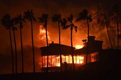 """""""Sueño americano"""" en llamas: Incendio deja 23 muertos en California"""