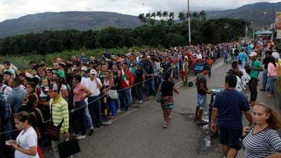 """Venezuela hace """"todo lo posible"""" por revertir emigración, dice constituyente"""