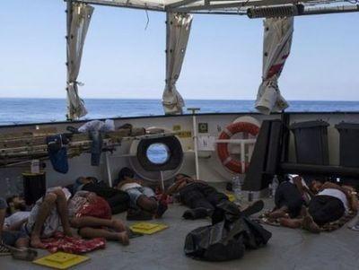 Rescatan más de 600 migrantes en el mar de España