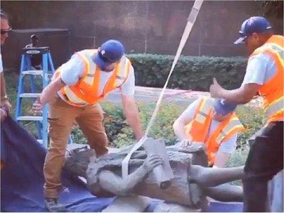 ¿Por qué retiraron la estatua de Cristóbal Colón en Los Ángeles?