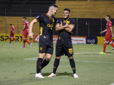 Guaraní reencausa su rumbo en el Clausura con goleada incluida