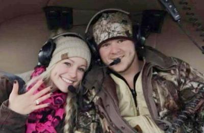 El trágico final de una pareja que murió al estrellarse en el helicóptero que los trasladaba de su boda