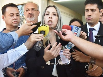 Imputan a cuñada de diputado y su esposo acusa a Giuzzio de coimero